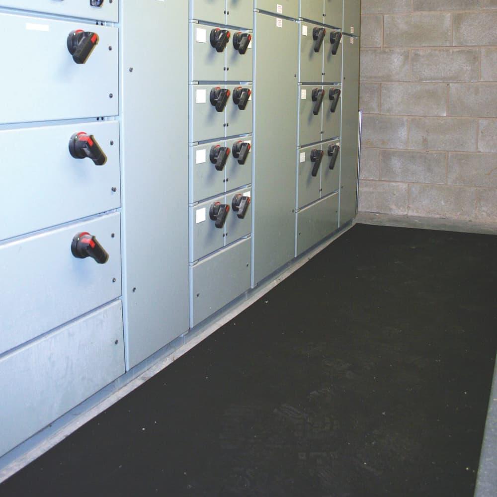 chodniki-elektroizolacyjne-cobaswitch